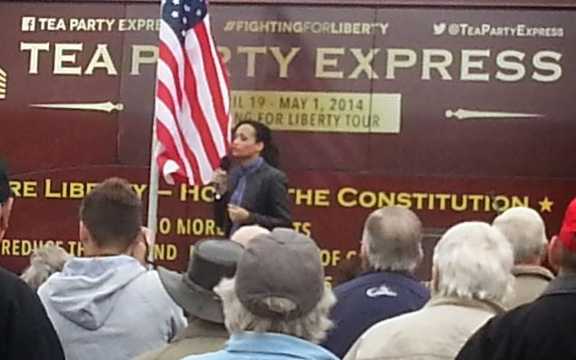 Katrina Pearson speaking in Kansas City on the Tea Party Express tour